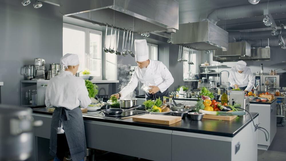 Campanas de cocina industriales: normativa aplicable